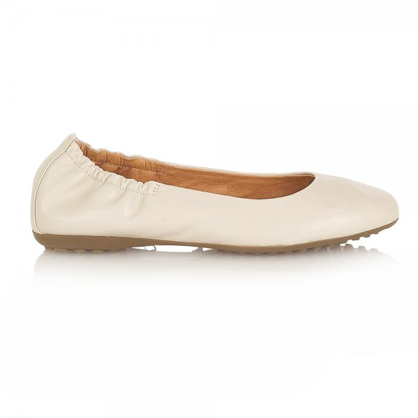 Cream Flat Shoes. flip13bubble.tk shows fashion collections of current Cream Flat Shoes. You could also find more popular women items and recommendation forBoots, as there always a huge selection for allSandalsand matches items. Sincerely hope all our customers enjoy shopping our new arrivalHeelswith good quality and latest fashion styles.