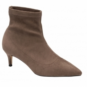 Brown Madruga Pointed-Toe Sock Boots | Ravel